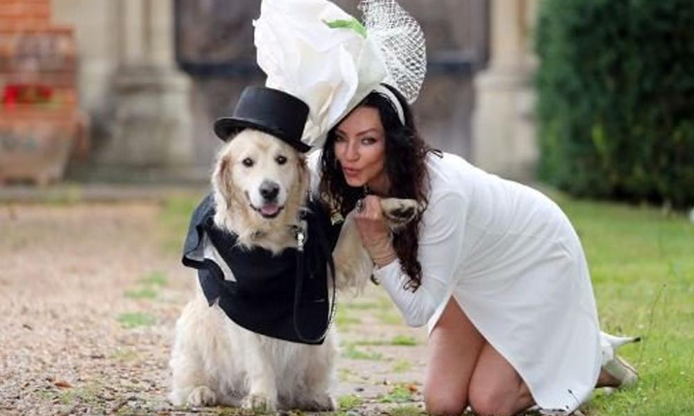 Yaşadığı ilişkilerde mutluluğu bulamayan eski model, köpeğiyle evleniyor