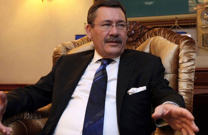 Melih Gökçek'ten AKP'lilere: İçimizdeki şerefsizler!