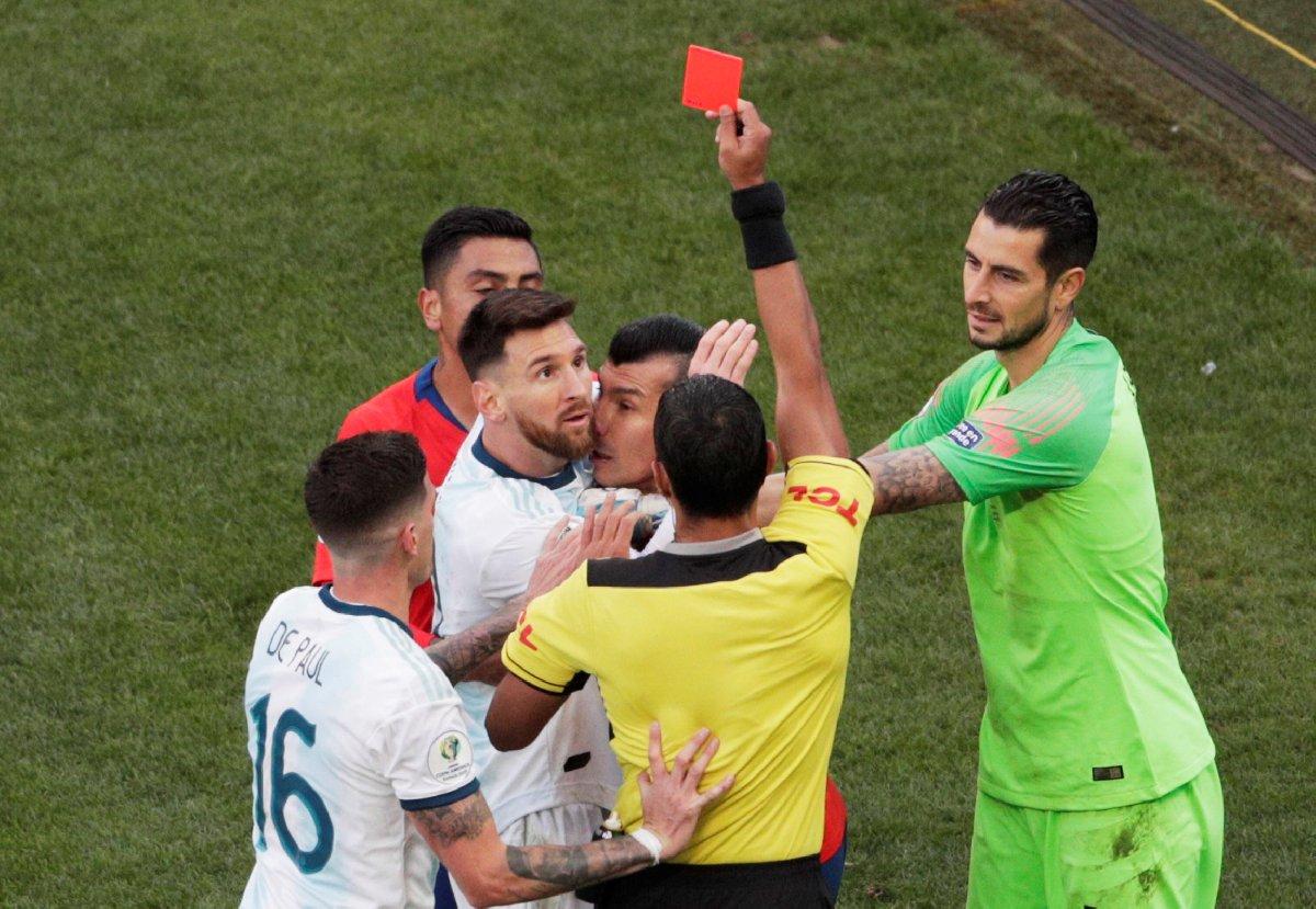 Messi'ye 3 ay men cezası!