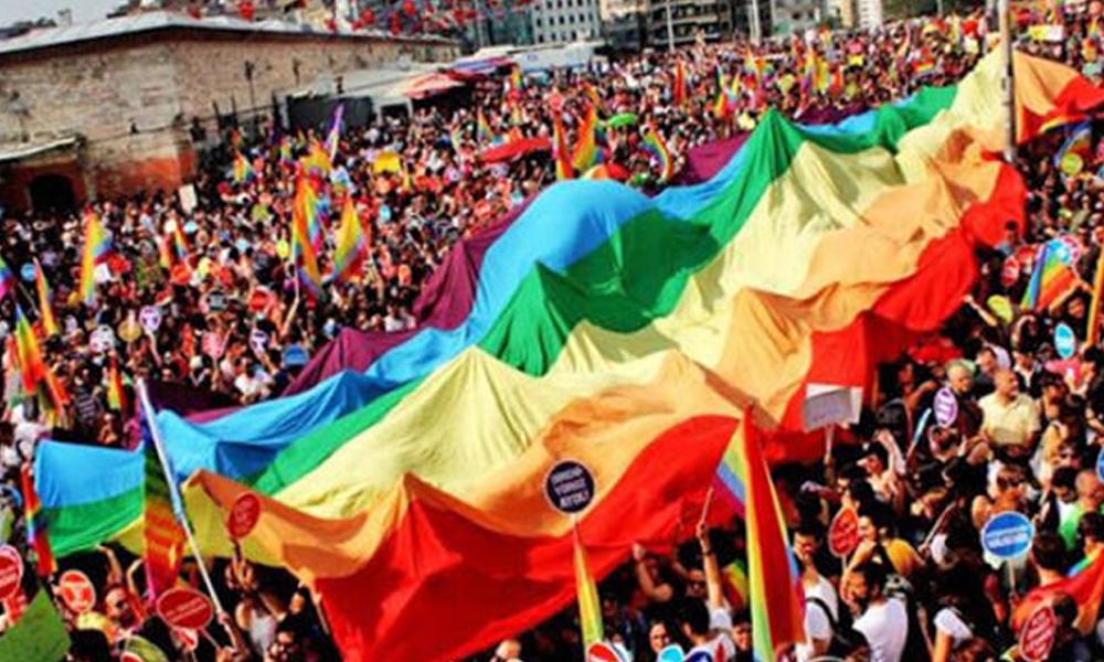 Pes dedirten engel! Onur Yürüyüşü'ne katılan ODTÜ'lü öğrenciler bakın nasıl cezalandırıldı!