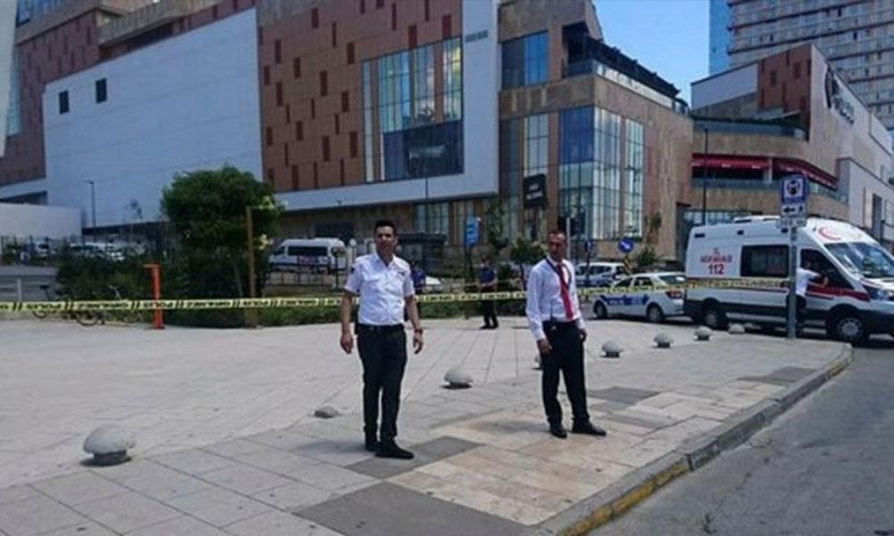İstanbul'da rehine alarmı! Giriş çıkışlar kapatıldı: İşte ilk görüntüler