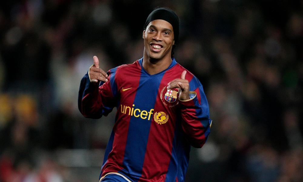 Ronaldinho sahalara geri mi dönüyor?