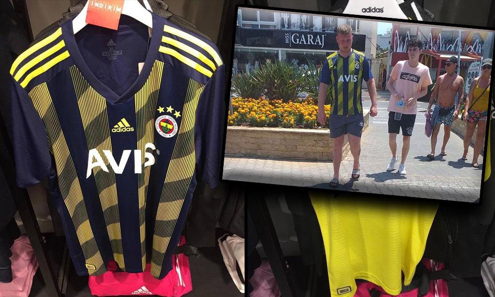 Fenerbahçe'nin dün açıklanan yeni formasını Marmaris'te bir turistin bir ay önce giydiği ortaya çıktı