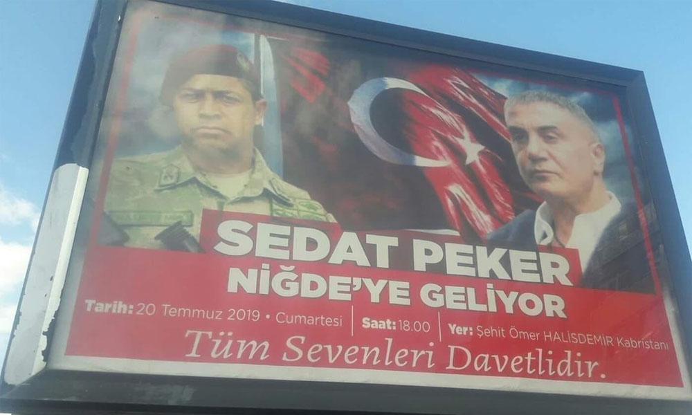 Şehit Halisdemir'in anısına büyük ayıp! Organize suç örgütü lideri Sedat Peker'le afişlerini astılar