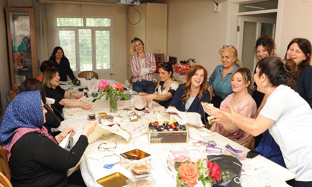 Balçova Belediyesi'nden kadınlara 'Semtevi Satış Merkezi'