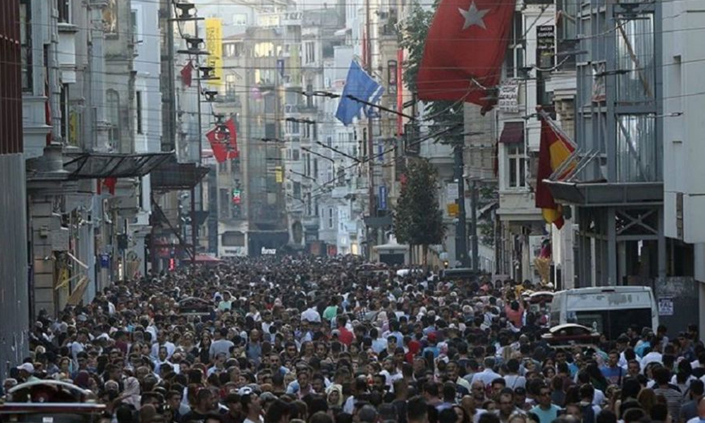 'Siyasal kimlik' anketinde kritik sonuçlar: En önemli olay İstanbul seçimleri; dindarlık oranı yüzde yedi…