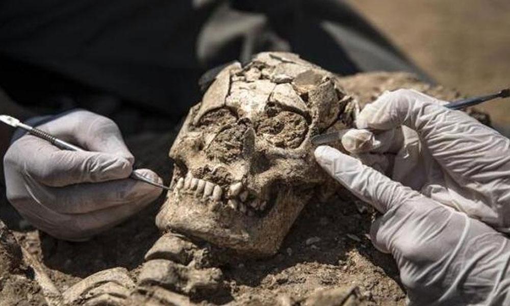 İstanbul'da yapılan kazıdan tarihe çıktı: İnsan kemikleri, sikke, kilise…
