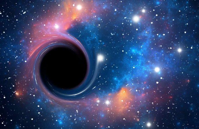 40 milyar Güneş'i yutabilecek kara delik bütün uyduları çekebilir