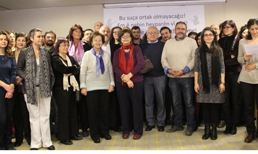 AYM'nin 'ihlal' kararından sonra 'Barış Bildirisi'ne ilk beraat
