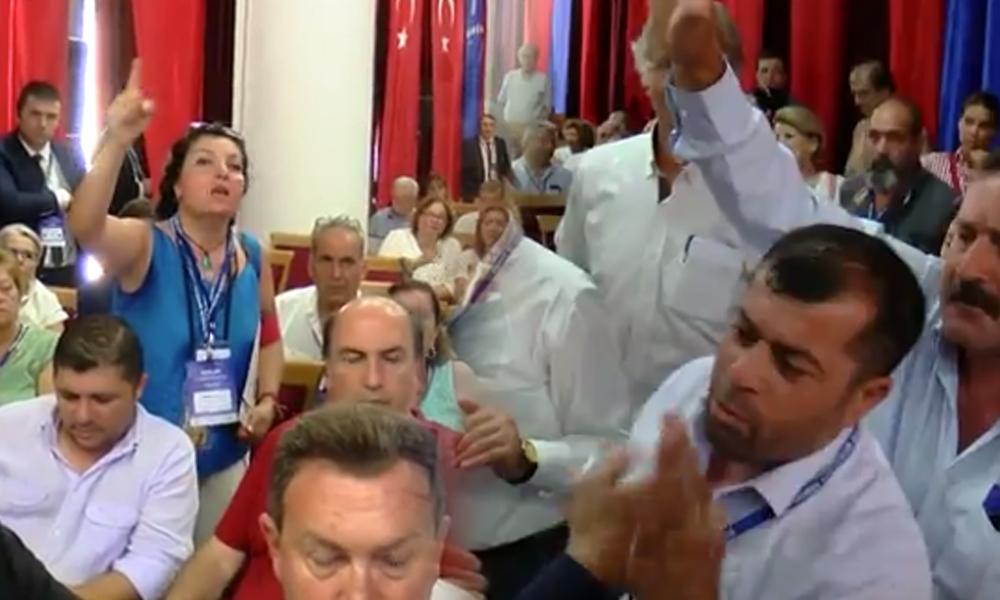 Adalar Ulaşım Çalıştayı'nda 'fayton' gerginliği… Erdem Gül müdahale etti