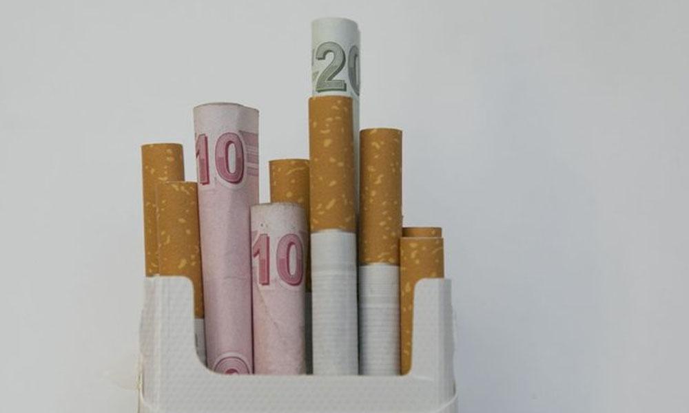 Vergi uzmanına göre bir paket sigaranın 8 lirası vergi!