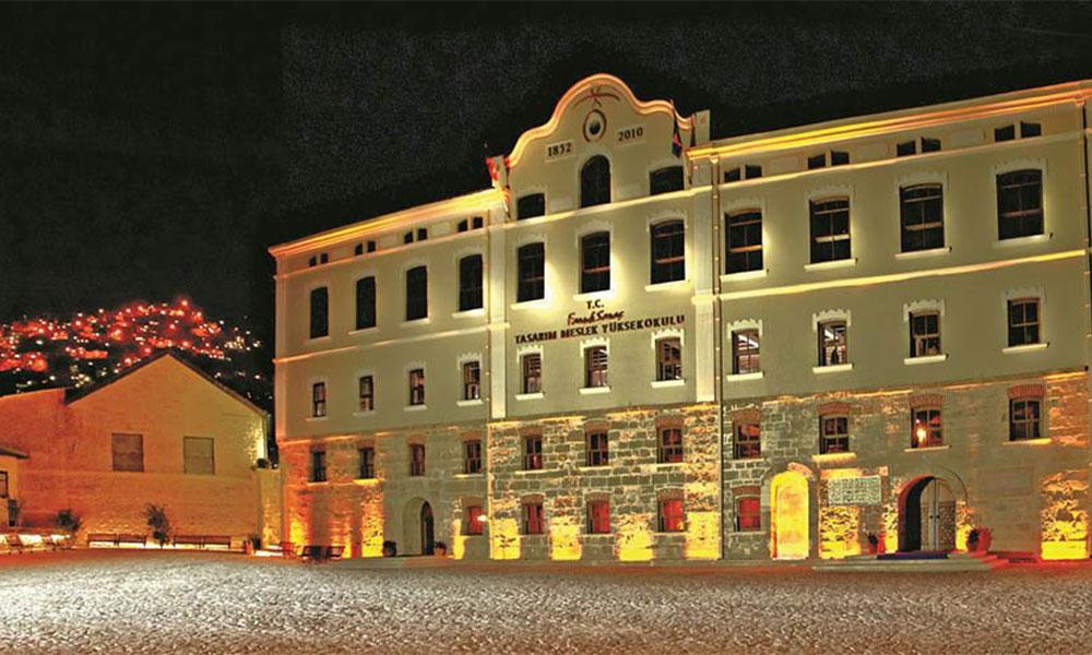 Sağlık Bakanı'nın Medipol Üniversitesi'ne iki tarihi bina daha…
