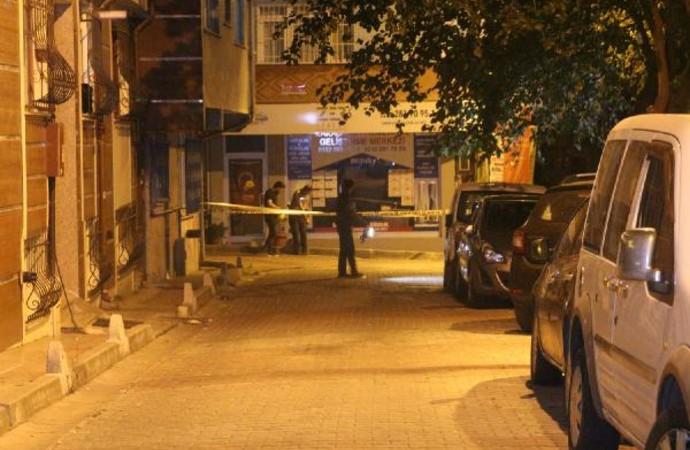 Kara çarşaflı saldırgan kurşun yağdırdı: 1 yaralı