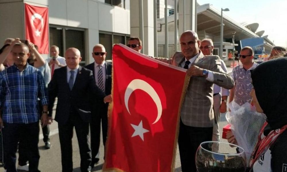 Ergenekon kumpasında hedef gösterilen Turhan Çömez, yıllar sonra 30 Ağustos'ta yurda döndü