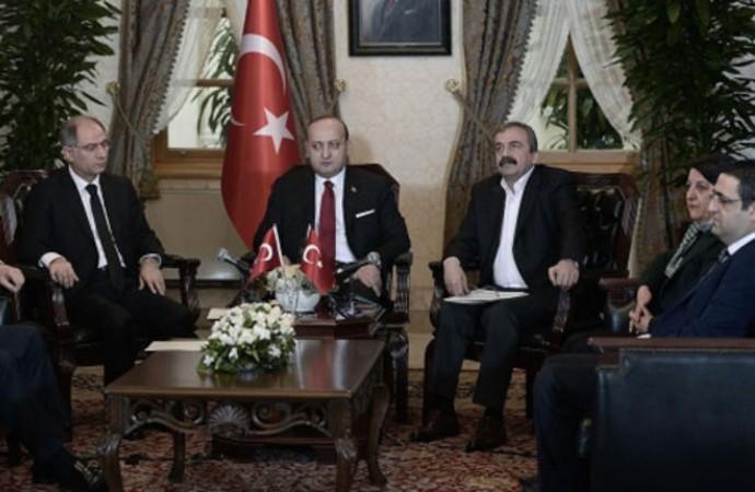 Erdoğan, 'doğru bulmuyorum' dediği Dolmabahçe Mutabakatı'nda oturma yerlerini bile çizmiş