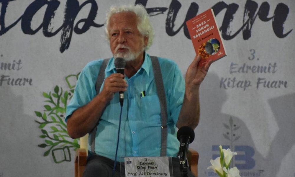 Prof. Ali Demirsoy: Zeus tapınağını görse hüngür hüngür ağlardı…