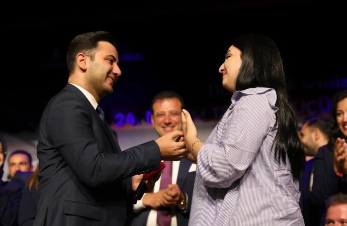 İmamoğlu'nun katıldığı törende evlenme teklifi sürprizi