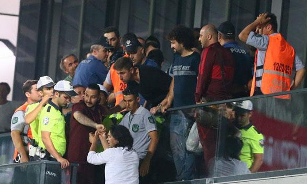 Galatasaray soyunma odasında büyük gerginlik!