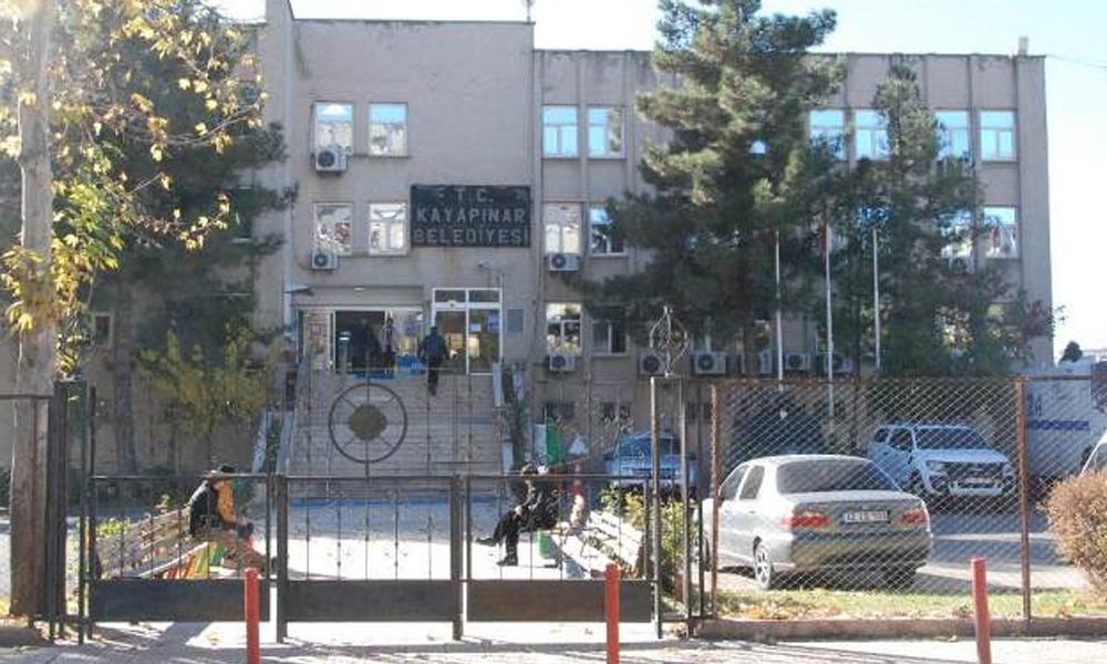 Flaş… Belediye meclis üyesinin yerine de kayyum atandı