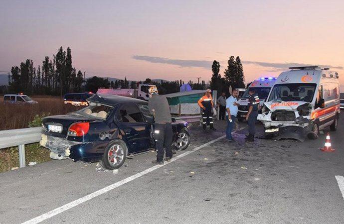 Ambulansında karıştığı zincirleme kazada 3 kişi hayatını kaybetti