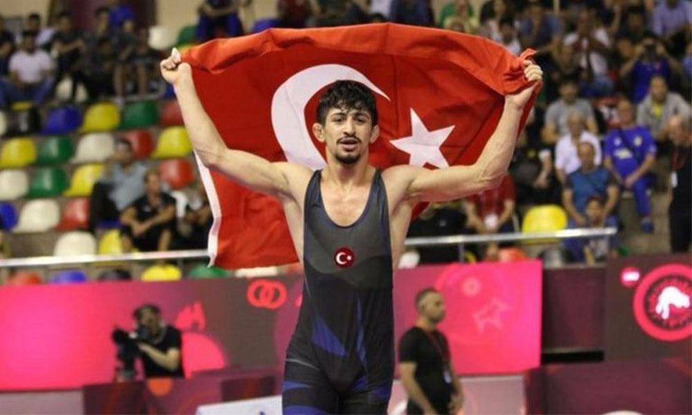 Kerem Kamal dünya şampiyonu oldu!