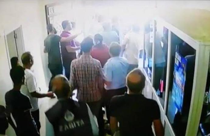 AKP'li meclis üyesi, Eşbaşkan'ı silahla tehdit etti: 'Ben devletim'