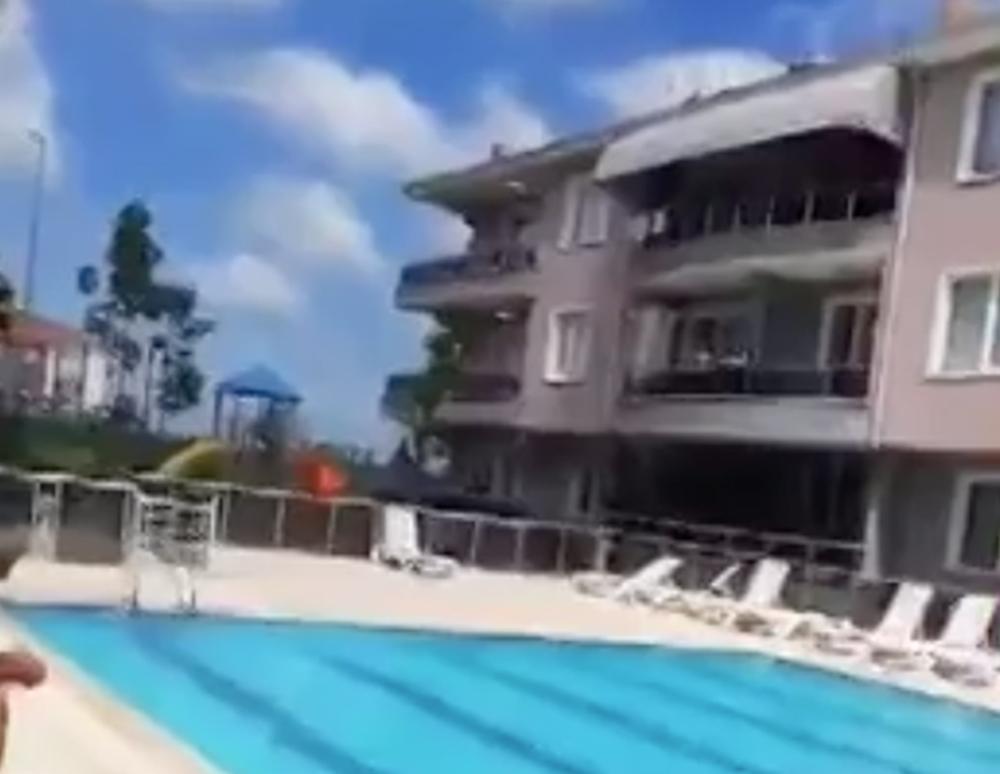 Çocukları havuzda gürültü yaptığı gerekçesiyle siteden kovulmaya çalışılan otizmli ailenin isyanı