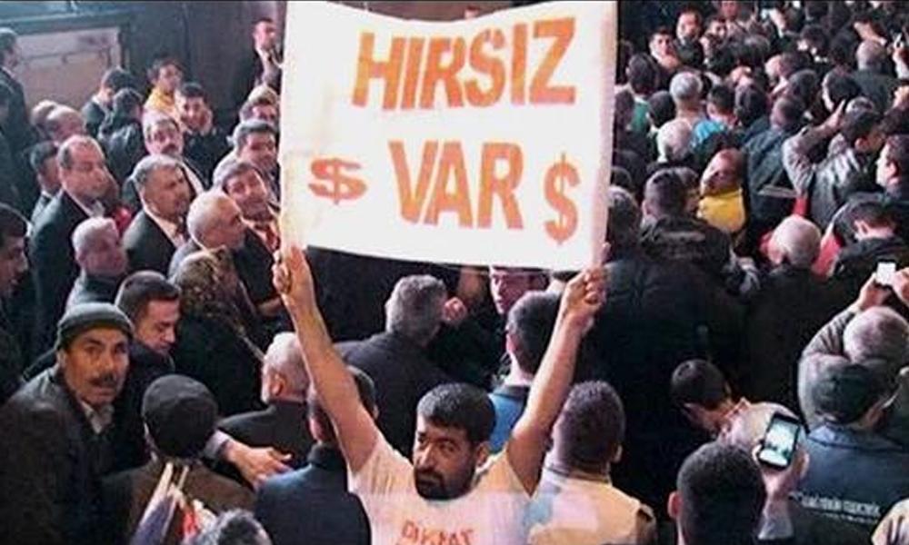 Erdoğan'ın mitinginde 'hırsız var' pankartı açtığı için dayak yiyen eski uzman çavuş hakkında karar çıktı