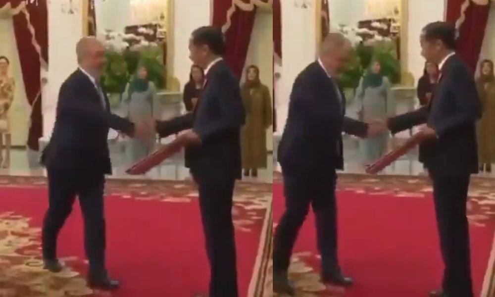 Büyükelçiliğe atanan, ilahiyatçı Kılıç'tan protokol skandalı! 'Güleriz ağlanacak halimize'