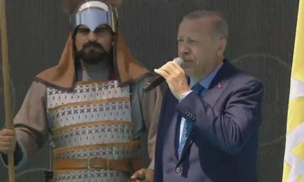 Erdoğan: SİHA'larımız, helikopterlerimiz, İHA'larımız bölgeye girdi, çok yakında kara birliklerimiz de girecek