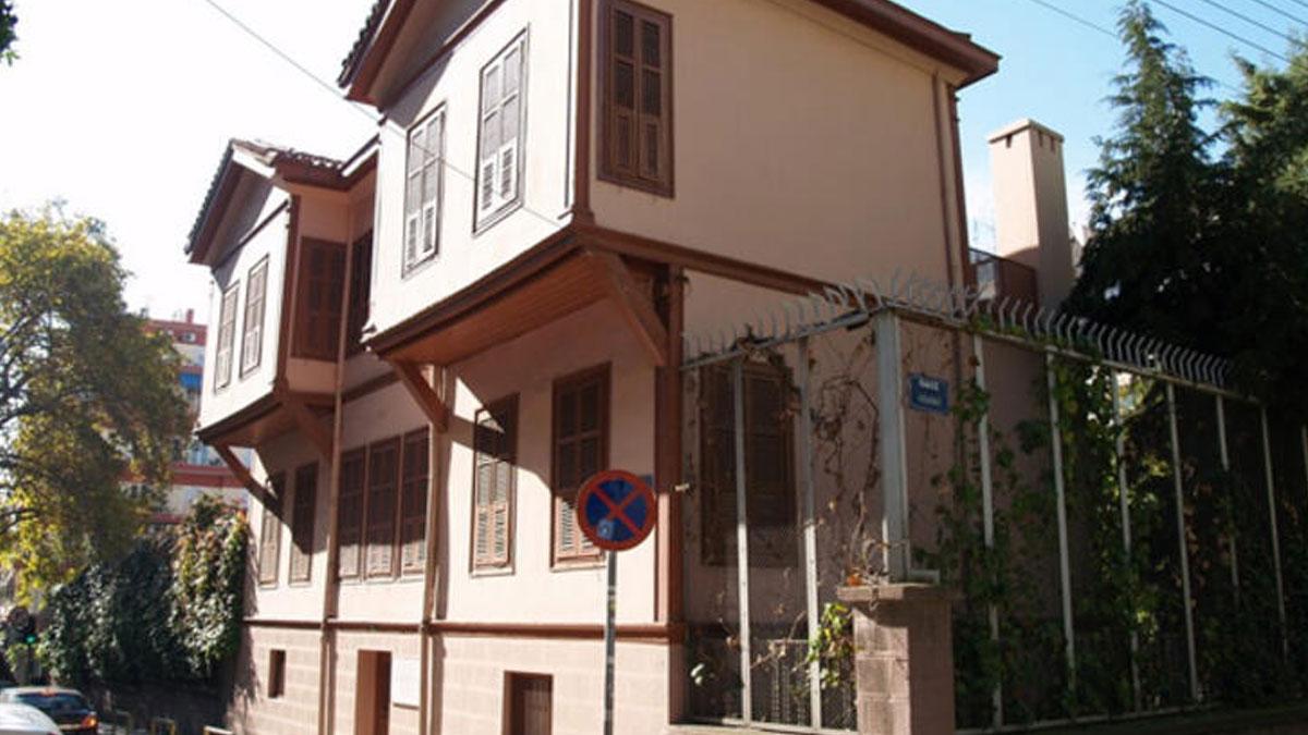 Atatürk'ün doğduğu evde restorasyon rezaleti