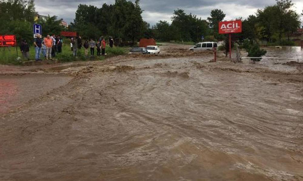 Samsun'da sel felaketi: İki kişi hayatını kaybetti, dört kişi kayıp