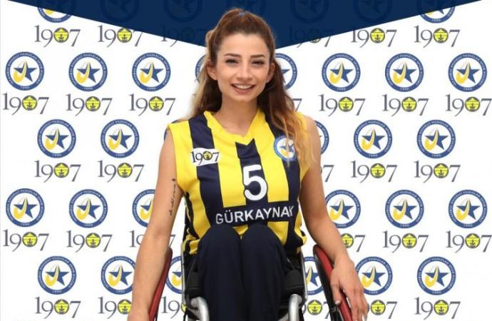 Milli sporcu Selin Şahin bir ilki başardı!
