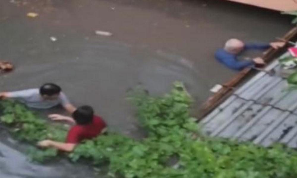 İstanbul'daki sağanakta canlarını zor kurtardılar! İBB'den önlem açıklaması
