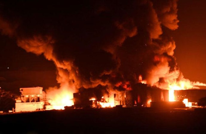 Çorlu'da katı atık fabrikasındaki yangında, kimyasal gazlar havaya salındı