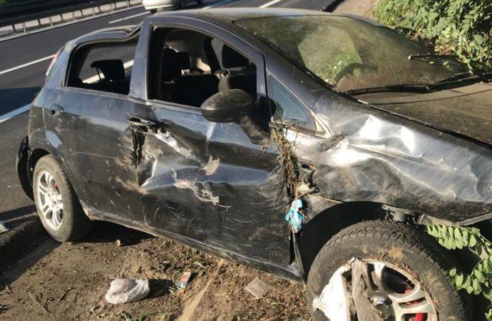 TEM'de otomobil takla attı: 2 yaralı