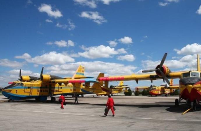 Ormanlar cayır cayır yanıyor, THK uçakları hangarda bekliyor: CHP'li vekil ihmalleri sıraladı
