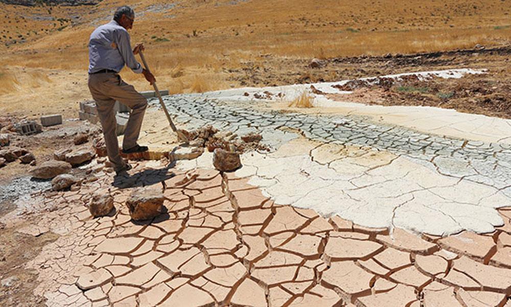 Sondaj yapılırken renkli toprak çiftçiyi şaşırttı… Araştırma yapılmasını istedi