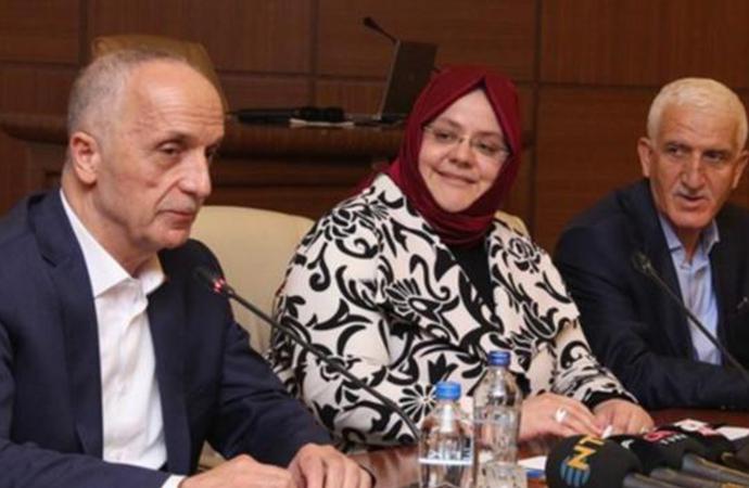 Mikrofonu açık kalınca itiraflarda bulunan Türk-İş Başkanı Atalay, bakın kendini nasıl savundu