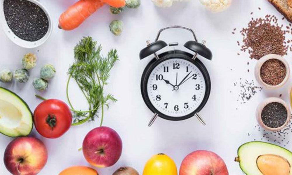 Yemek saatlerine dikkat! Kilo alımını nasıl etkiliyor…