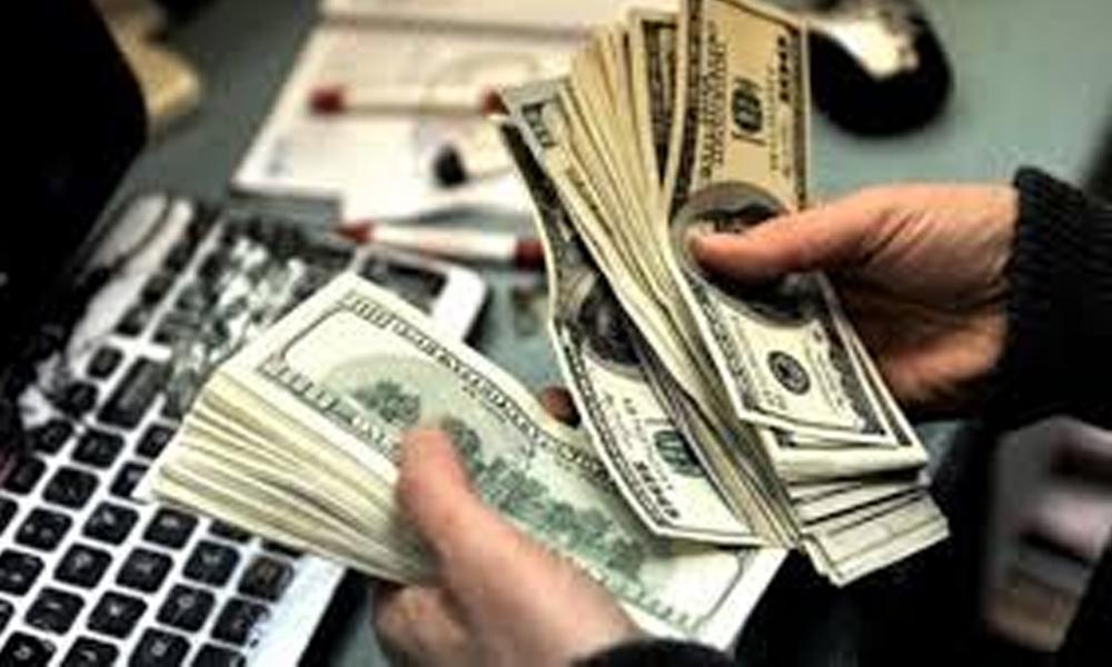 Ekonomiyi canlandırmak için verilen krediler Türkiye'de bankaları zorluyor
