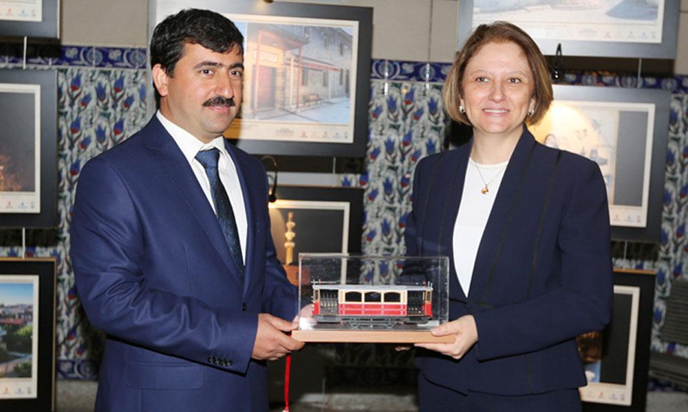 CHP'nin suç duyurusunda bulunduğu İETT yöneticisi istifa etti