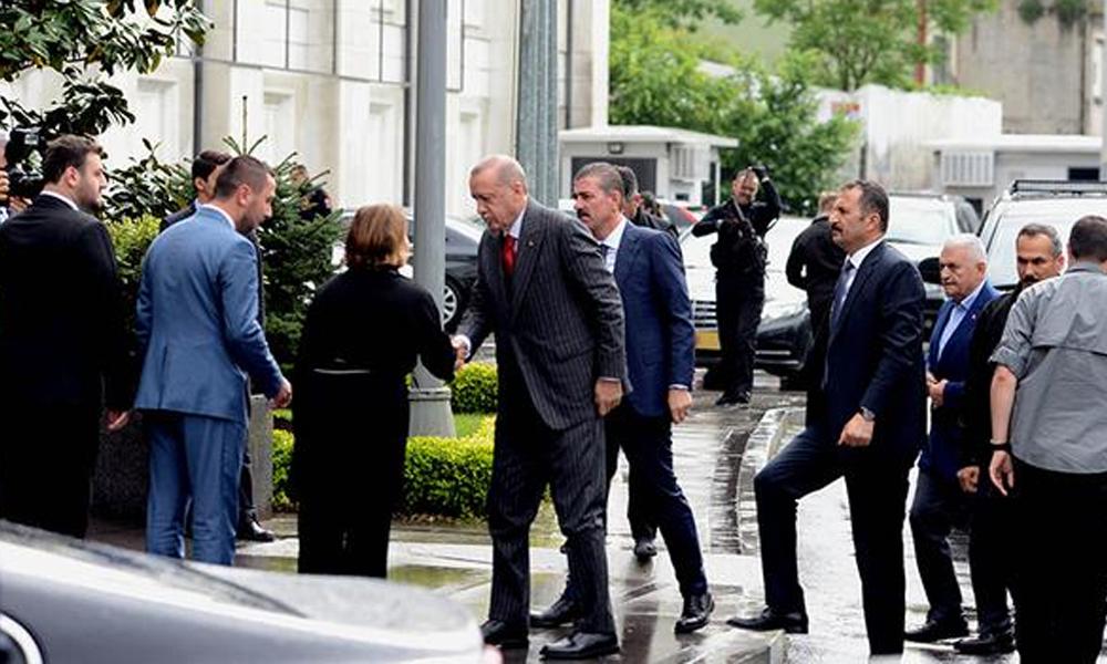 AKP İstanbul'da dört ismi sessiz sedasız görevden aldı!