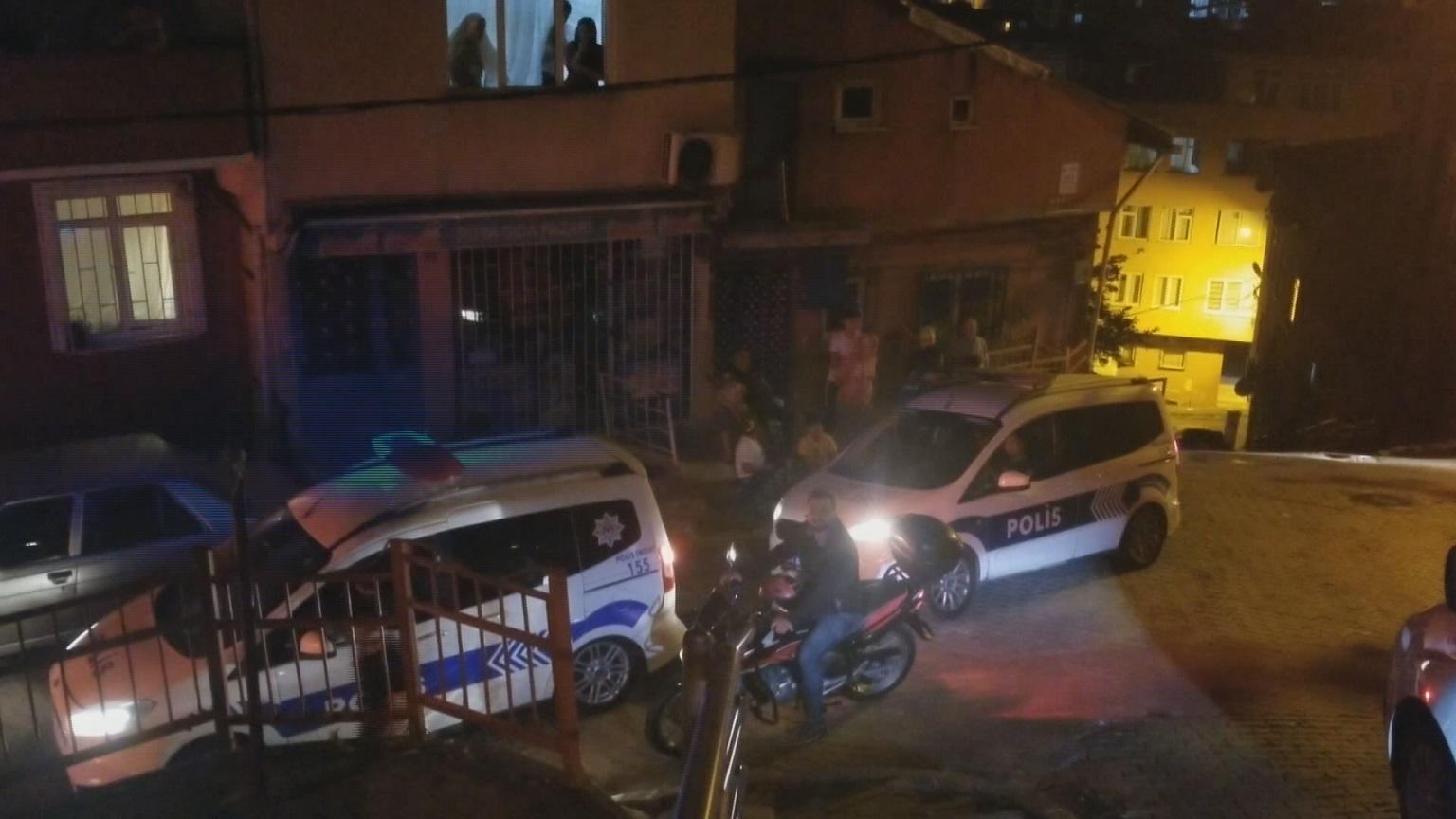 Kağıthane'de komşu kavgası: Sokak savaş alanına döndü