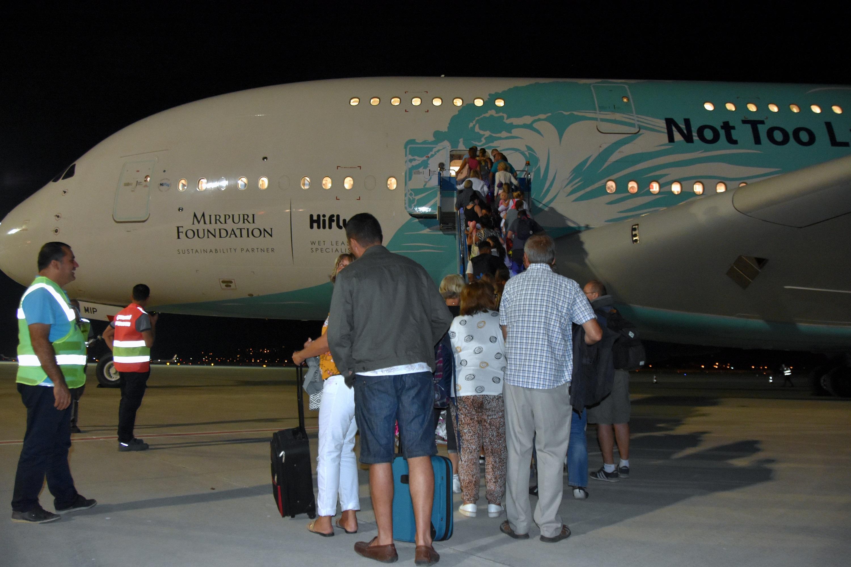 Thomas Cook mağdurları için 12 uçak Dalaman Havalimanı'nda
