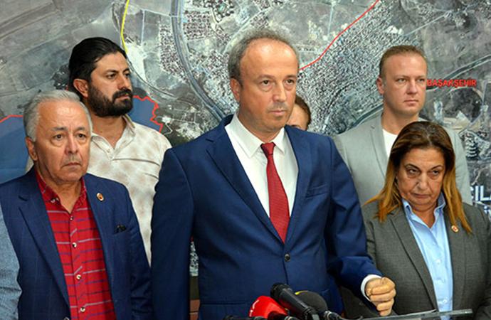 Avcılar Belediye Başkanı Turan Hançerli: '270 konut için ihbar yapıldı, 3 bina mühürlendi'