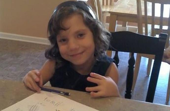 6 yaşında sanıp evlat edindikleri kız, 22 yaşında sosyopat cüce çıktı