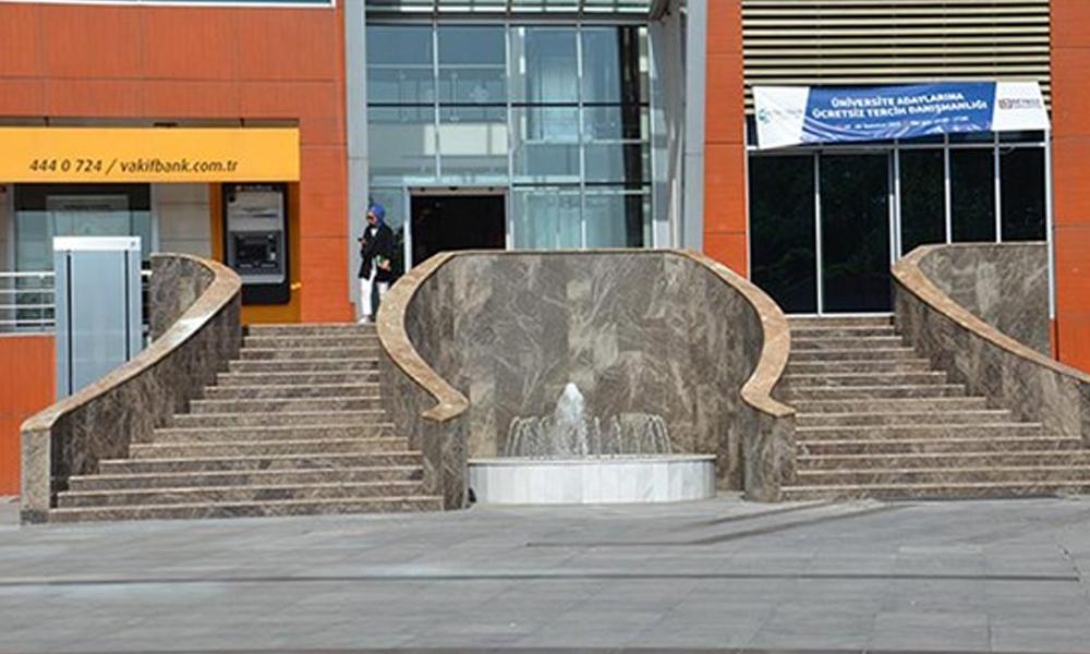 İsraf belediyeciliği… AKP'li belediyenin milyonluk merdiven ve fıskiye harcaması!