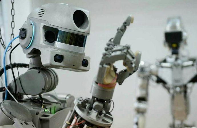 Uzay görevinde başarısız olan astronot robot Fedor yeniden geliştirilecek