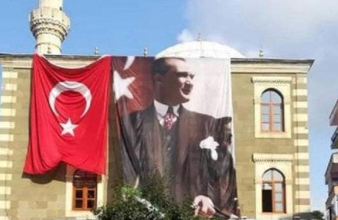 Müftünün 'Atatürk'ün resmini kaldırma girişimi' başarısız oldu